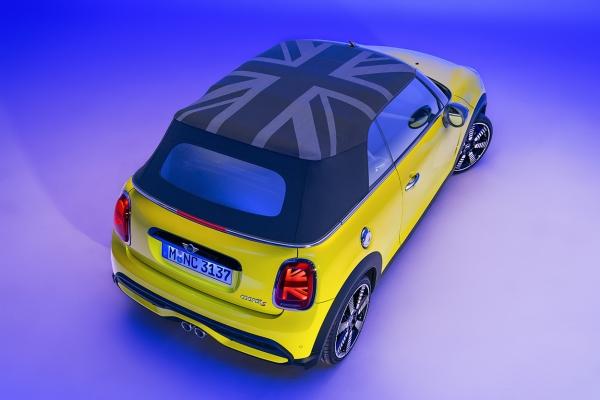 mini-cabriolet-s-2021-16