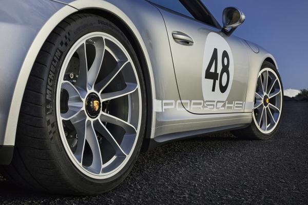 porsche-911-speedster-991-43